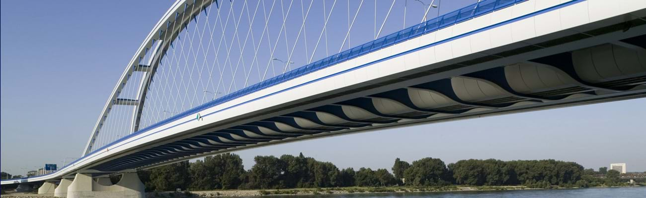 Danube bridge close to Bratislava with hot-dip galvanized steel structure