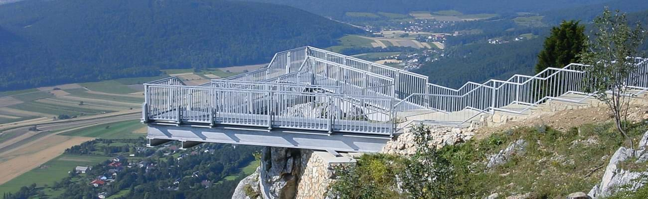 Skywalk Hohe Wand in Austria. ZINKPOWER Brunn hot-dip galvanized the steel construction.